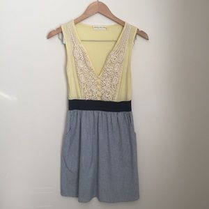 Staring at stars yellow retro lace front dress